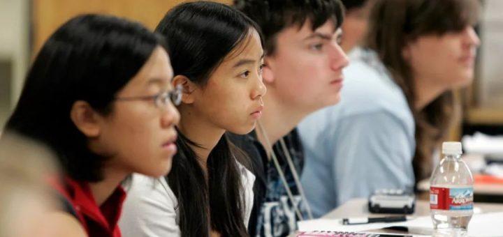 送孩子回国 vs 接受西方教育,中国和美国,到底哪里更适合养孩子?